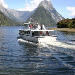 S'aventurer dans une croisière au Fjordland national park, à la Nouvelle-Zélande