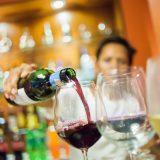 3 choses à savoir avant d'aller au Bar à vin en marbre blanc